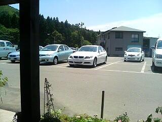 とある駐車場にて