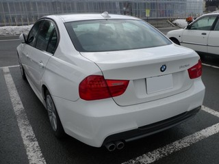 BMW 3シリーズ 325iセダン